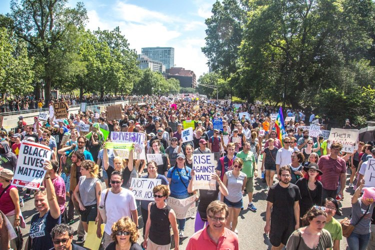 Forty-Thousand Counterprotesters outnumber Freedom of Speech Rally